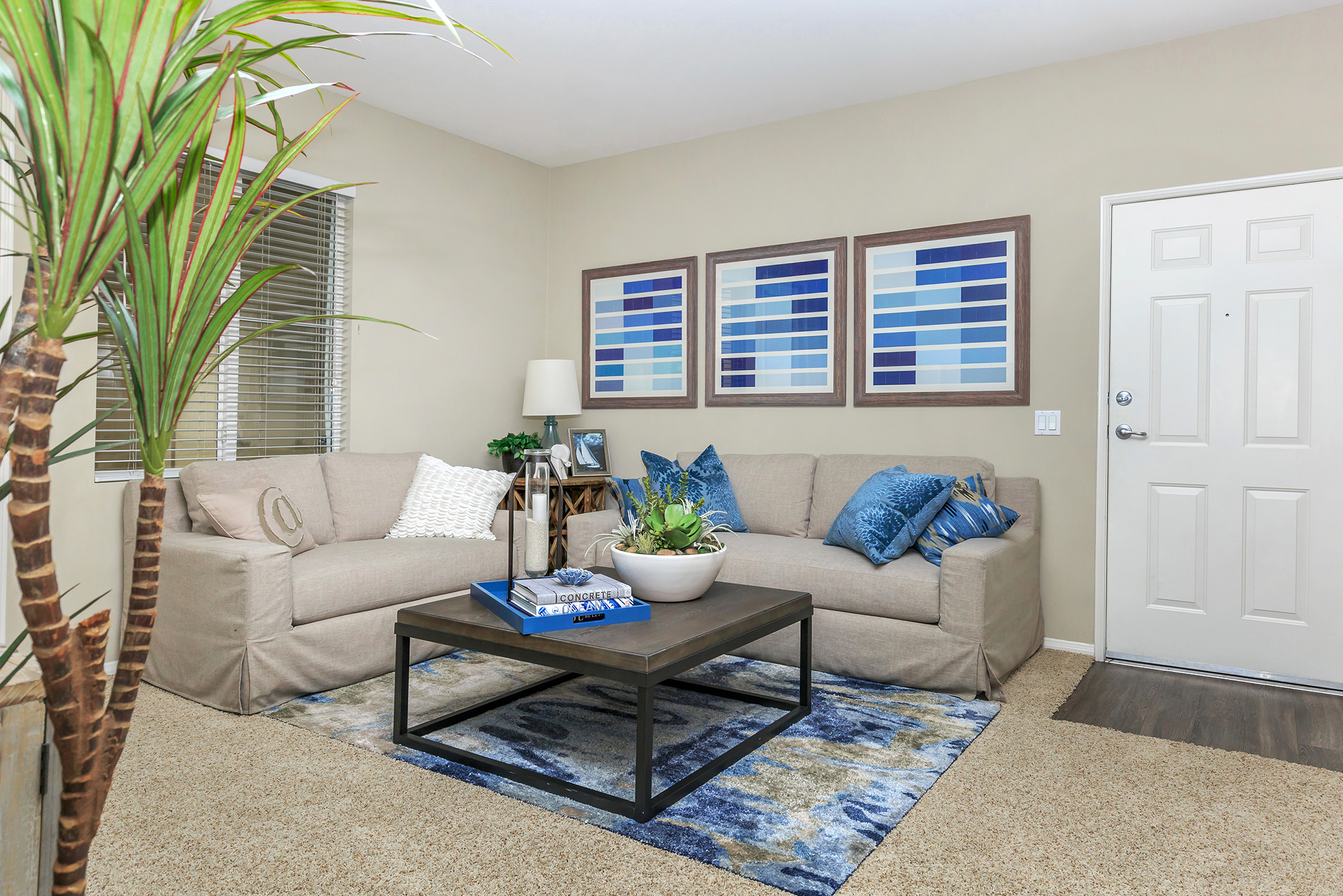 Laurel terrace apartment homes apartments in ladera for The terrace apartments